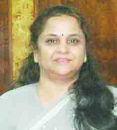 श्रीमती शर्मा संचार एवं सूचना प्रौद्योगिकी मंत्रालय में