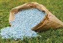 प्रमुख रबी फसलों में उर्वरक देने की विधि पर प्रकाश डालें ताकि अधिकतम लाभ मिल सके।