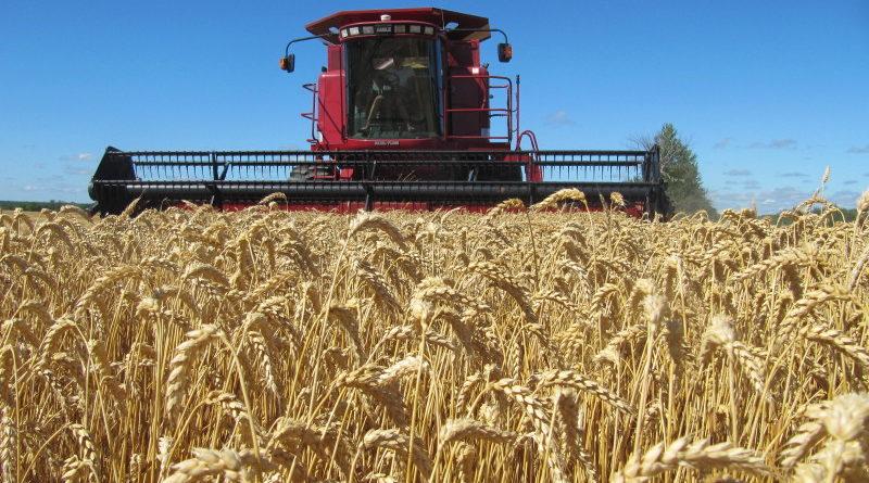 किसानों को फसल कटाई के लिए कम्बाईन हार्वेस्टर उपलब्ध कराने के निर्देश