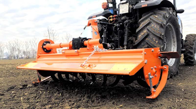 मशीनों से आसान हुई खेती