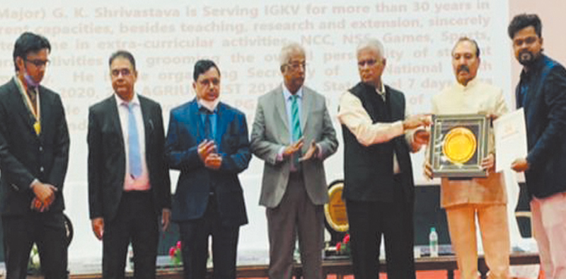 Sri Srivastava conferred Best Dean Student Welfare Award