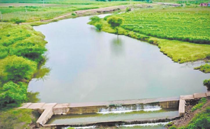 60 चेक डेम से बढ़ेगा 800 एकड़ जमीन का जल स्तर