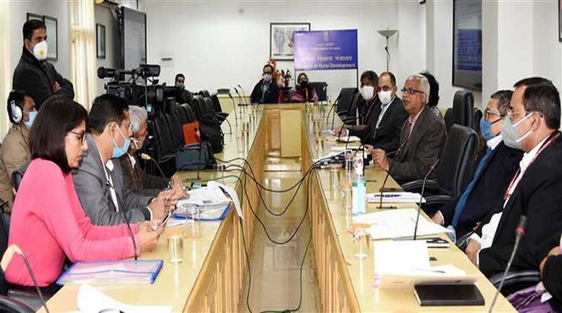 पंचायती राज मंत्रालय के तहत एक नई योजना - स्वामित्व के लिए 200 करोड़ रुपए का प्रावधान किया गया है