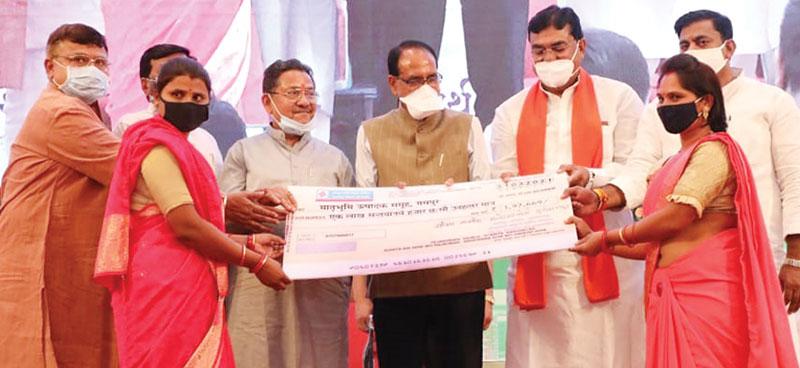 प्रदेश के कृषि उत्पाद दुनिया में धूम मचायेंगे : श्री चौहान