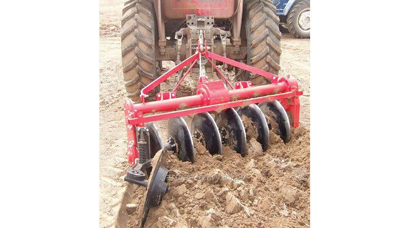 गहरी जुताई के लिये कृषि यंत्र