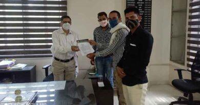 किसानों से 4 करोड़ की धोखाधड़ी, मंडी बोर्ड के संयुक्त संचालक को ज्ञापन सौंपा