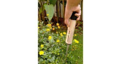 मिट्टी की नमी आसानी से जांचने वाला यन्त्र