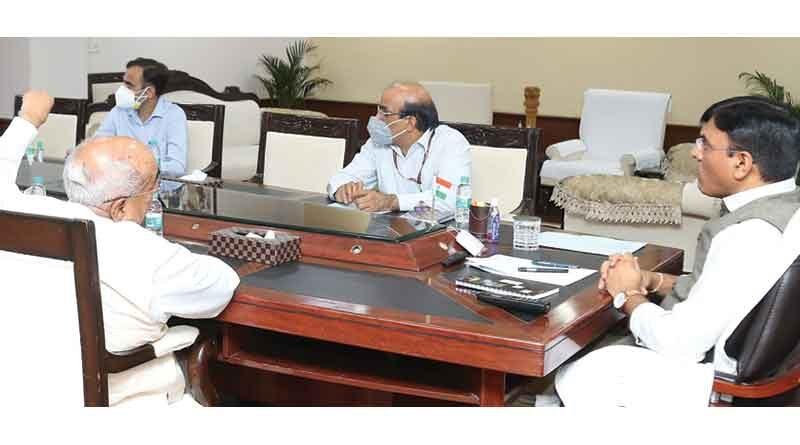 भारत फॉस्फेटिक उर्वरकों के मामले में आत्मनिर्भर बनेगा : श्री मांडविया