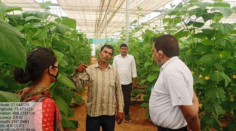 उद्यानिकी विभाग ने  ग्रामीणों को दी योजनाओं की जानकारी