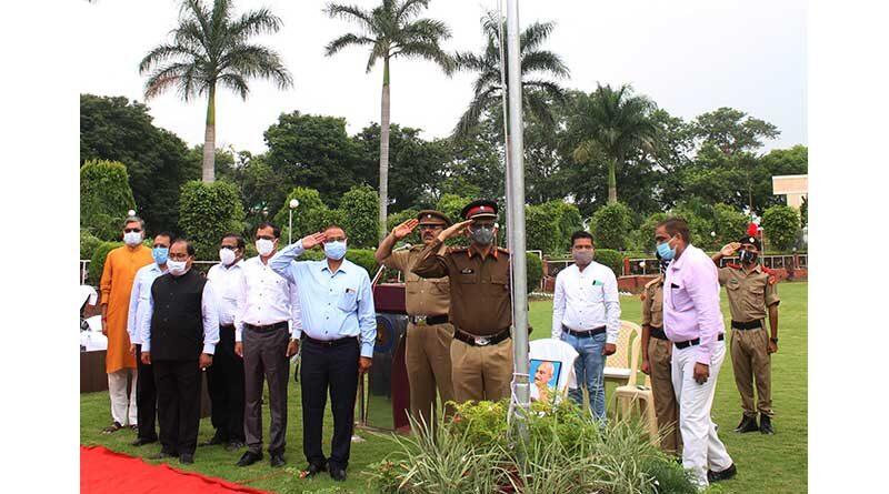 इंदिरा गांधी कृषि विश्वविद्यालय में स्वतंत्रता दिवस समारोह