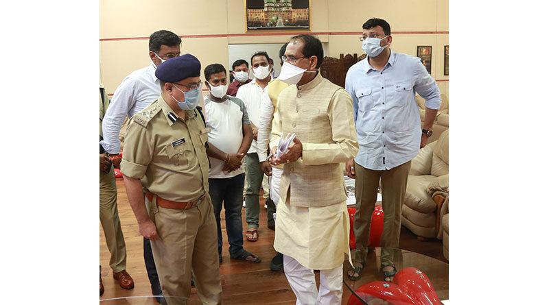 मुख्यमंत्री ने स्मार्ट कृषि मंडी का निर्माण कार्य शीघ्र पूर्ण करने के निर्देश दिए