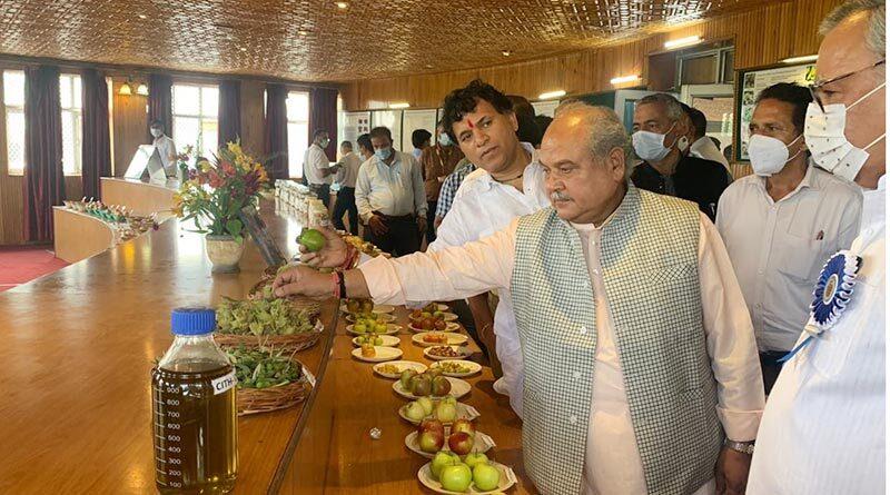 केंद्रीय शीतोष्ण बागवानी शोध संस्थान,श्रीनगर का केंद्रीय कृषि मंत्री ने किया दौरा